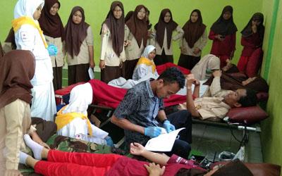 Donor Darah PMR MAN 4 Cirebon